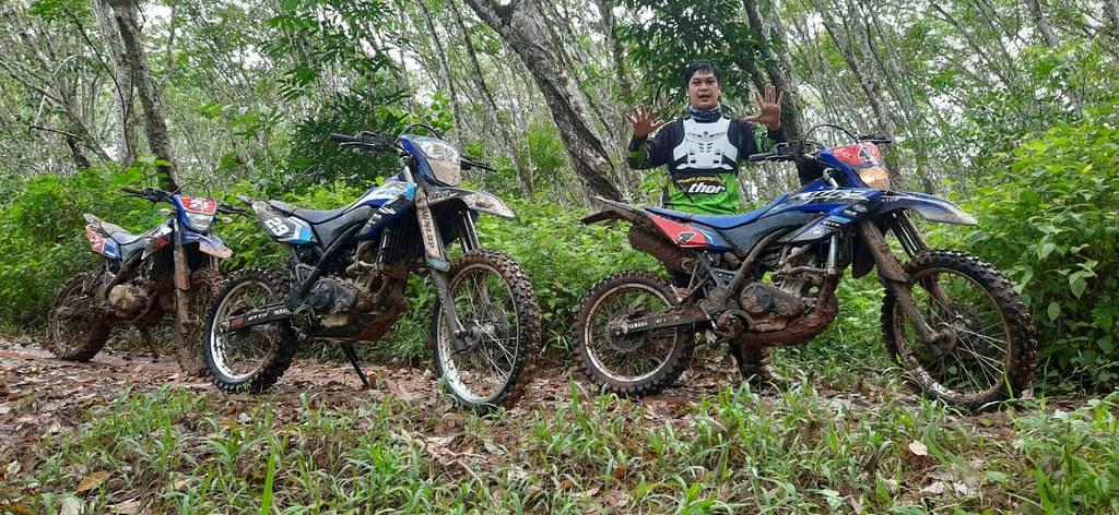 Riding WR 155 R ke Lahan Perkebunan di Sumatera
