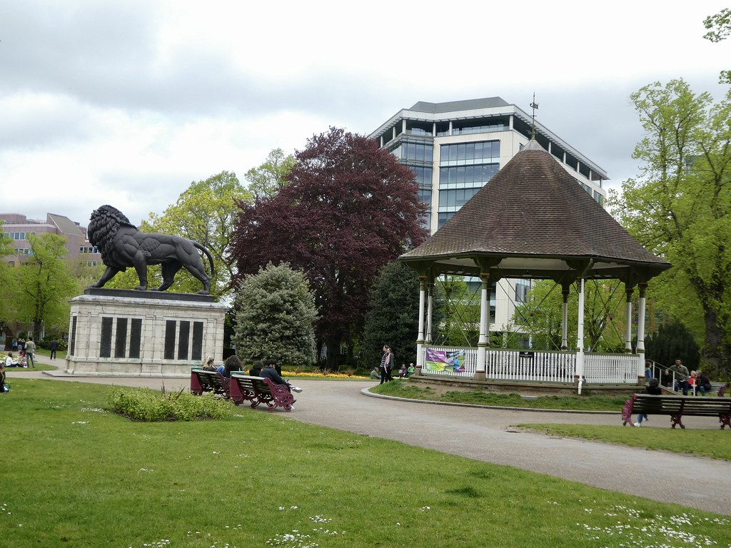 Maiwand Lion & Bandstand, Forbury Gardens, Reading