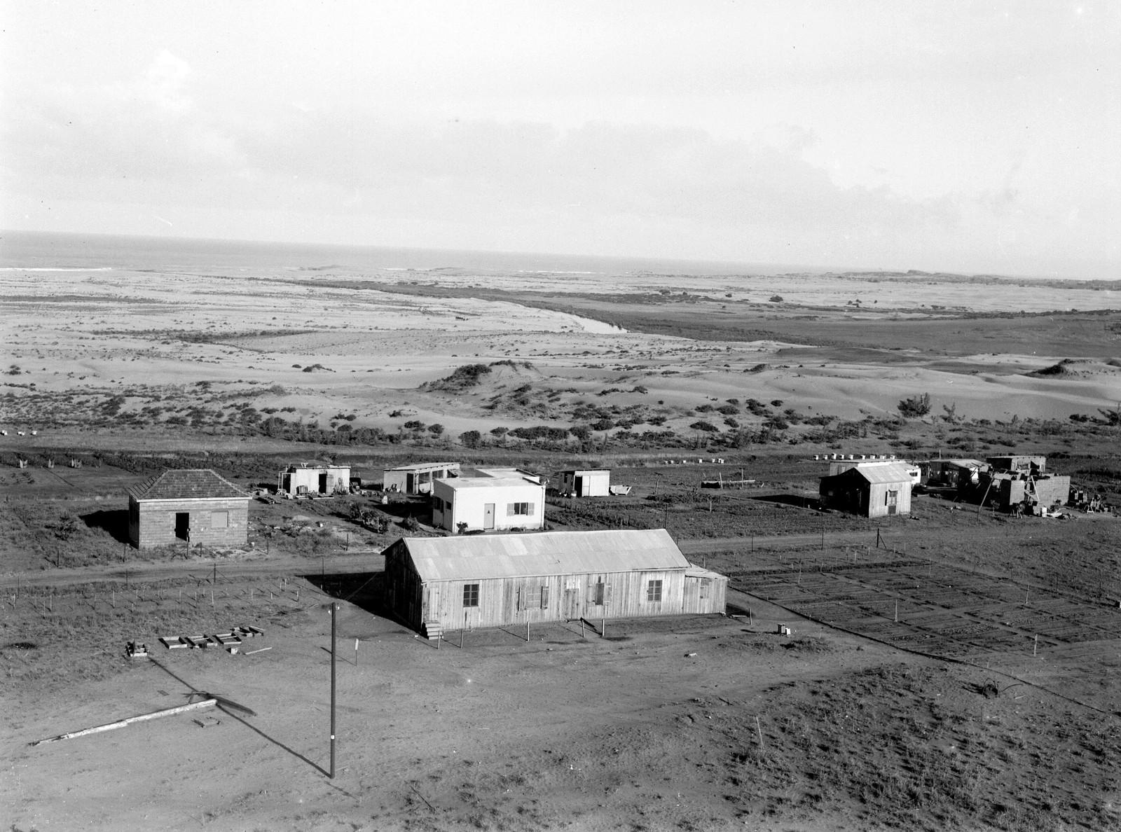 1934. Первые дома в мошаве Кфар-Виткин