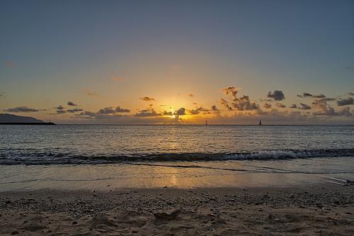 sony a6400 sigma 16mmf14 sunset sky sea ocean haleiwa hawaii oahu beach cplfilter