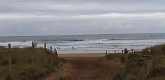 Playa la arena en este du00eda de primavera con tiempo inestable y buena temperatura con oleaje y posibilidad de lluvias