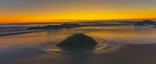 dawn at froggys beach gold coast australia