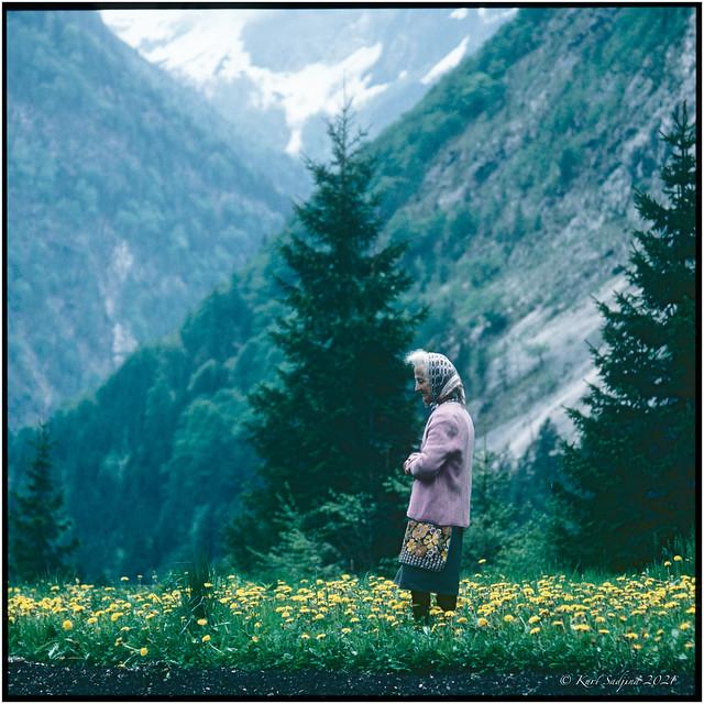 Dandelion woman_Löwenzahnfrau_1983_OM2