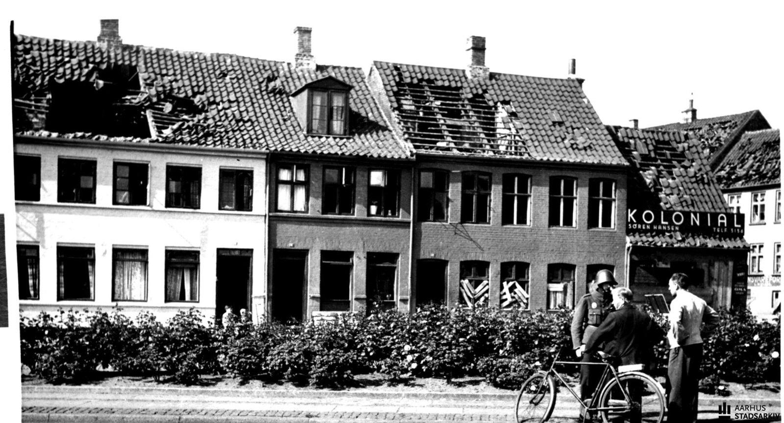 1944. Разрушения в порту Орхуса после 4 июля, когда  взорвалась немецкая баржа с боеприпасами.