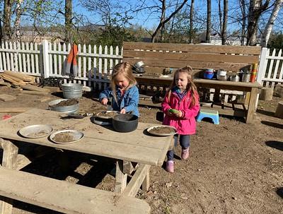 making mud cakes