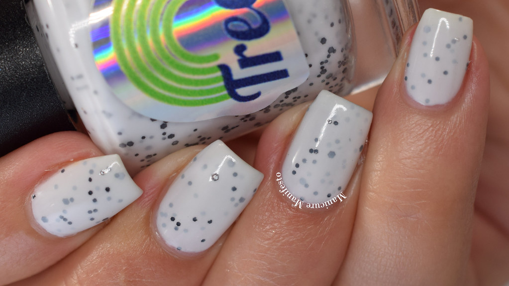 Treo Lacquer Frozen Nose swatch