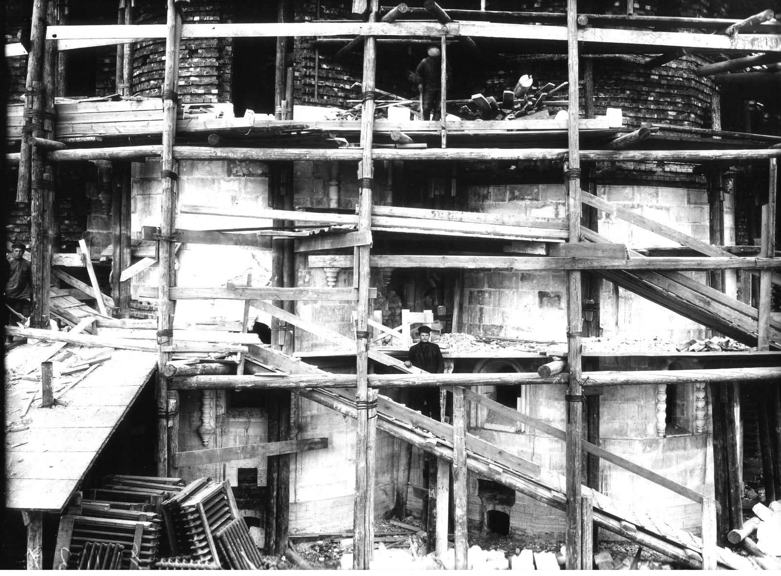 06. 1913. Абсида Храма в процессе облицовки белым известняком