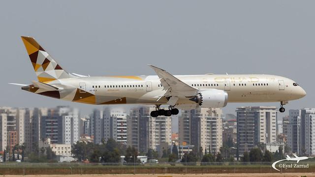TLV - Etihad Boeing 787-9 A6-BLA