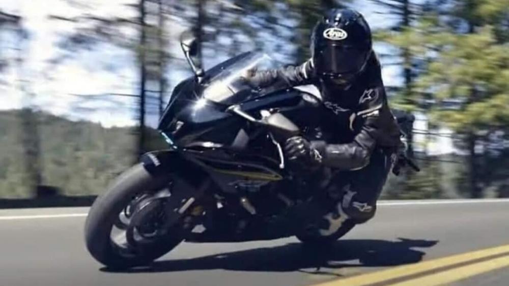Yamaha R7 Spyshot