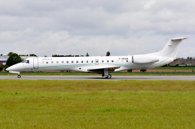 LIL - F-HRAM Embraer 145LU Amélia