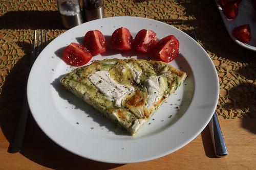 Frittata mit grünem Spargel und Ziegenkäse (mein 1. Viertel)