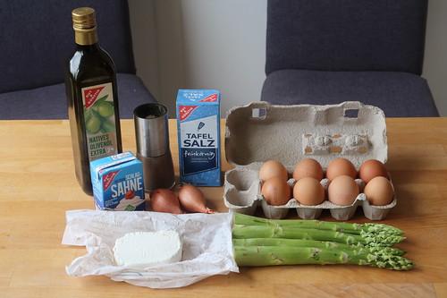 Zutaten für Frittata mit grünem Spargel und Ziegenkäse