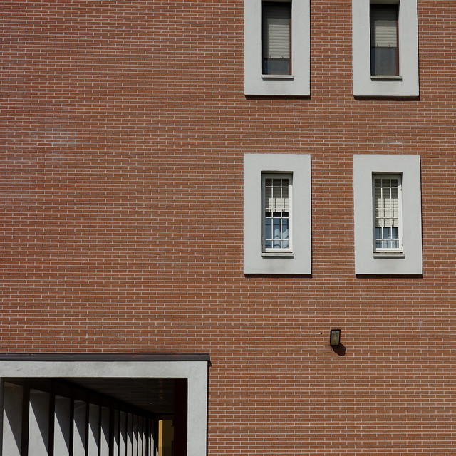 Composizione. Composition (urban fragments /frammenti urbani)