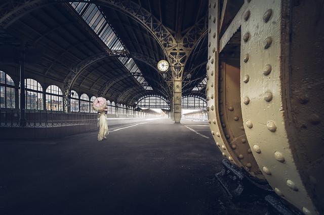 Перрон Витебского вокзала Санкт-Петербурга