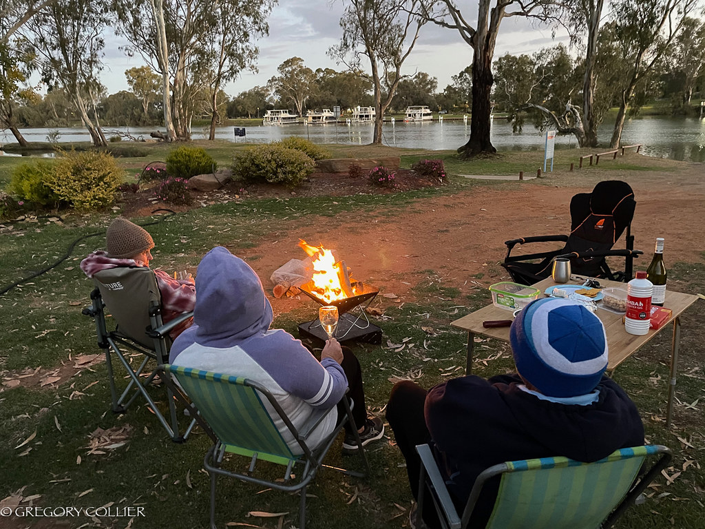 Mildura campfire.jpg