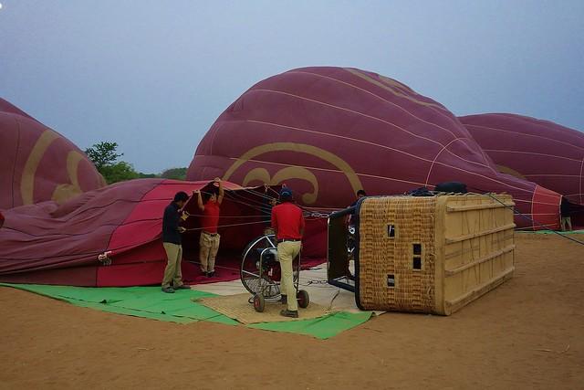 MYANMAR, Burma - Ballonfahrt über das historische Bagan, 78321