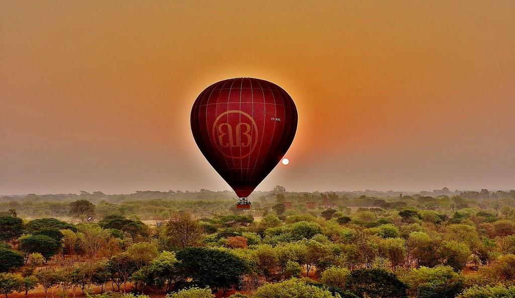 MYANMAR, Burma - Ballonfahrt  früh morgens über das historische Bagan, 78326/13692