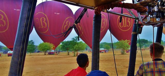 MYANMAR, Burma - Ballonfahrt  früh morgens über das historische Bagan, 78325/13691