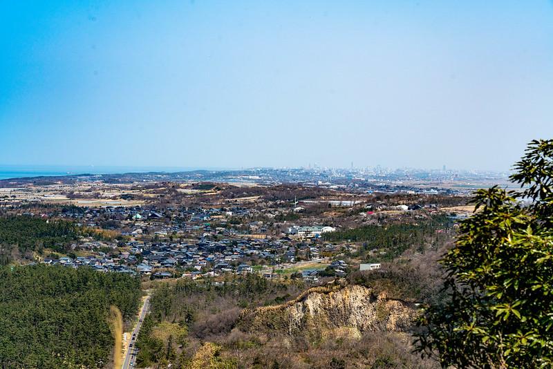 角田山の灯台コースから見える新潟市