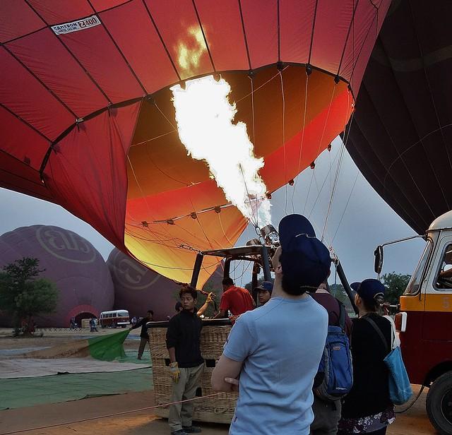 MYANMAR, Burma - Ballonfahrt über das historische Bagan, 78323