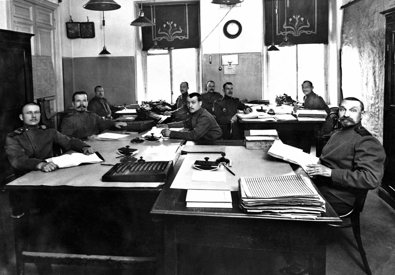 1905. Сотрудники отдельного корпуса жандармов