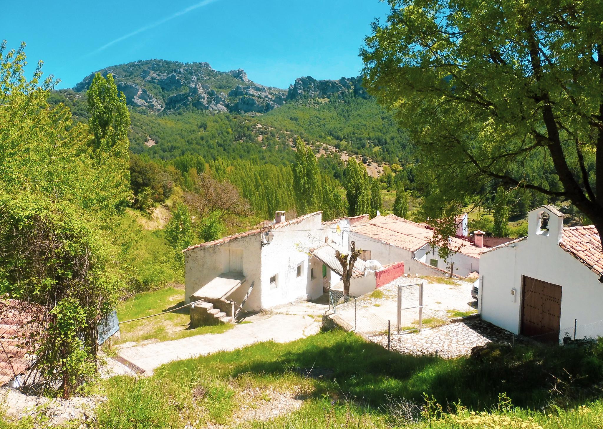 Ermita de los Anchos y el poyo Gavilán