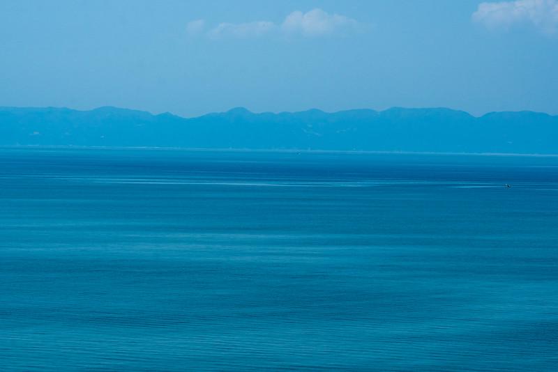 角田灯台から見える佐渡島