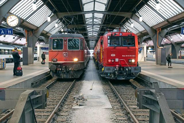 SBB Re 4/4 420 114 + LRZ Zürich Hbf