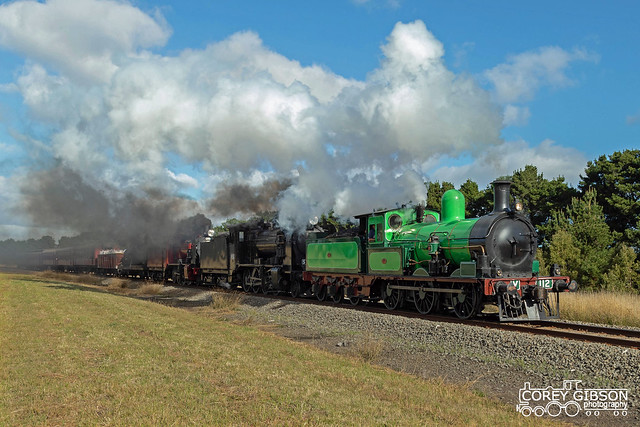 Steamrail triple header steam train from Geelong to Ballarat with Y112, K153 & K190.