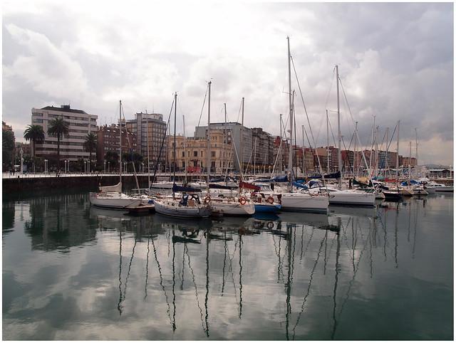 * Gijón