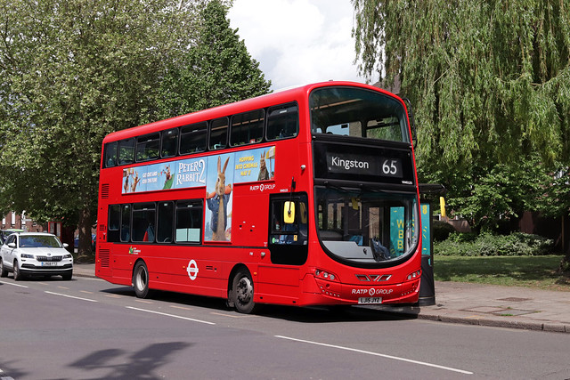 Route 65, London United, VH45125, LJ15JYZ