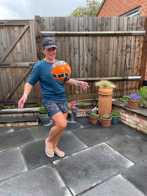 Tamsin does keepy-up