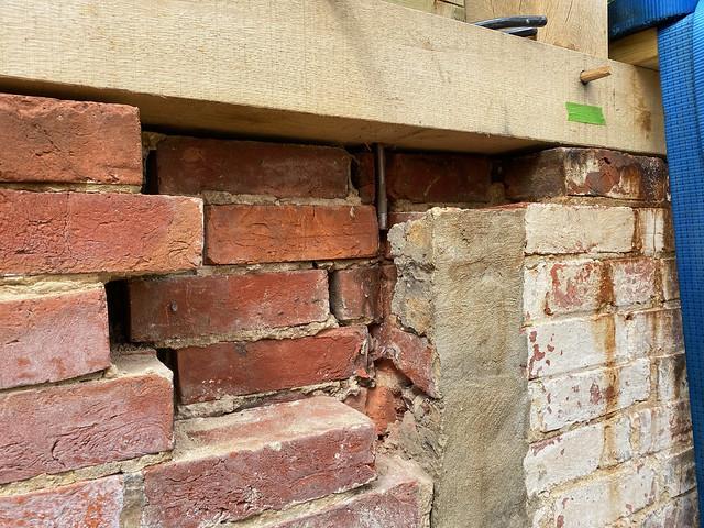 Defining edges of wall repair