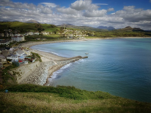 Criccieth on the day when indoor eating comes back