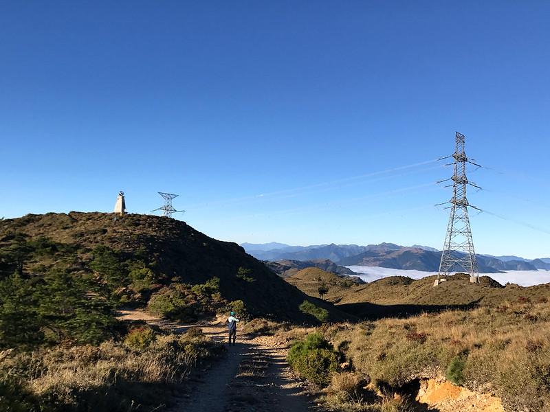 100 Peaks and 100 Km Hike: Mt. Liushun and Qicai Lake, Day 3. Photo by Damei