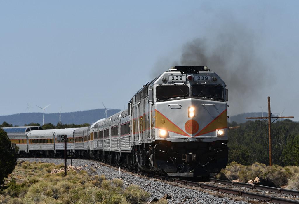 Grand Canyon Railway F40PH 239-Train 4