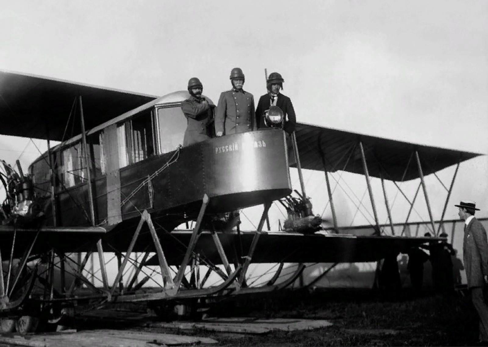 1913. Игорь Сикорский и генерал Каульбарс на самолете Русский витязь