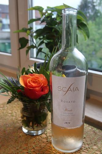 Scaia Rosato Veneto (2019er Roséwein) vor, zum und nach dem Essen