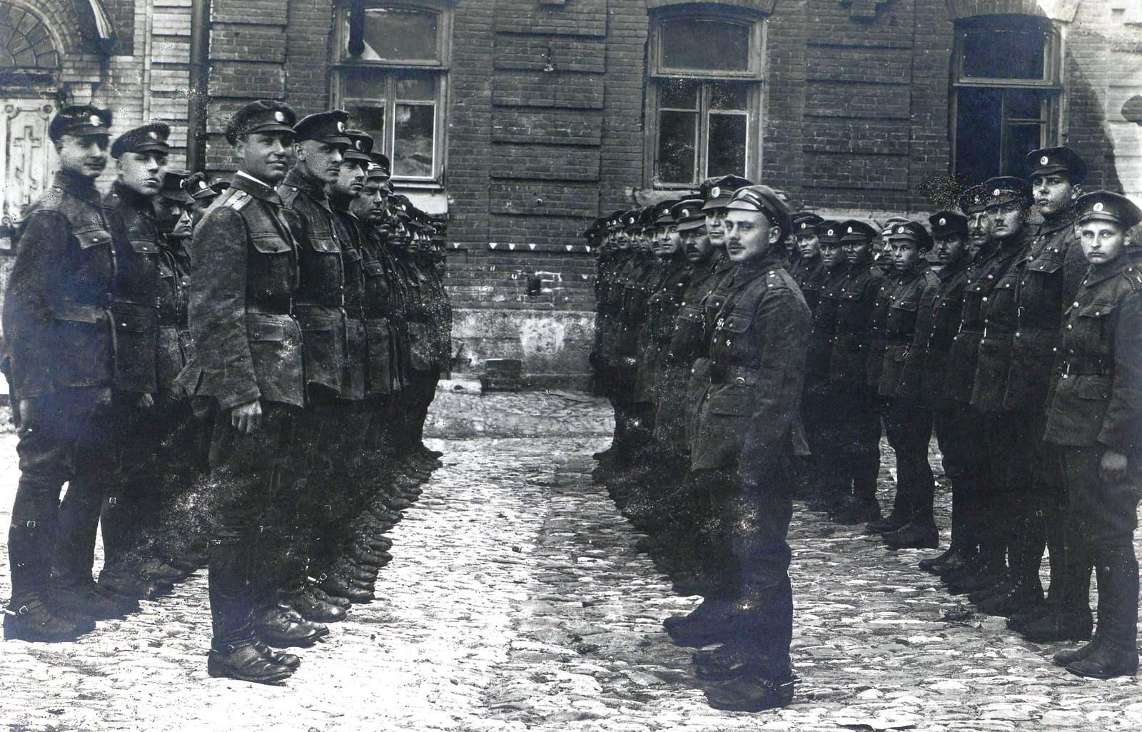 342. 1919. Конно-Горная батарея бригады генерала Н. С. Тимановского в английском обмундировании