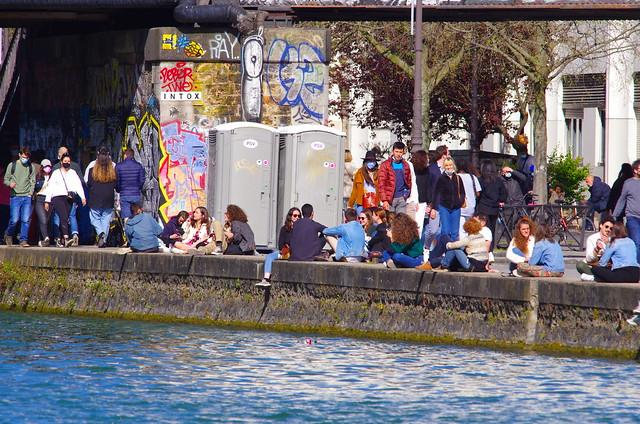 294 - Paris en Avril 2021 - Bassin de La Villette, Quai de la Marne, passerelle des Ardennes