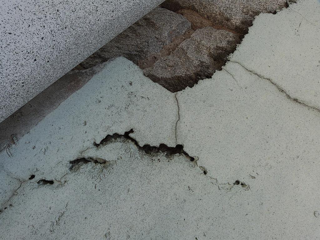 A19834 / broken surfaces on florida