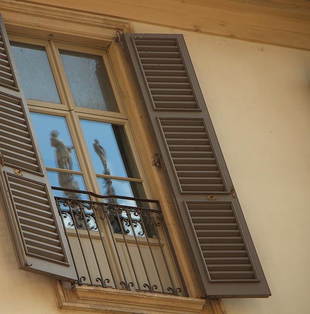 due alla finestra