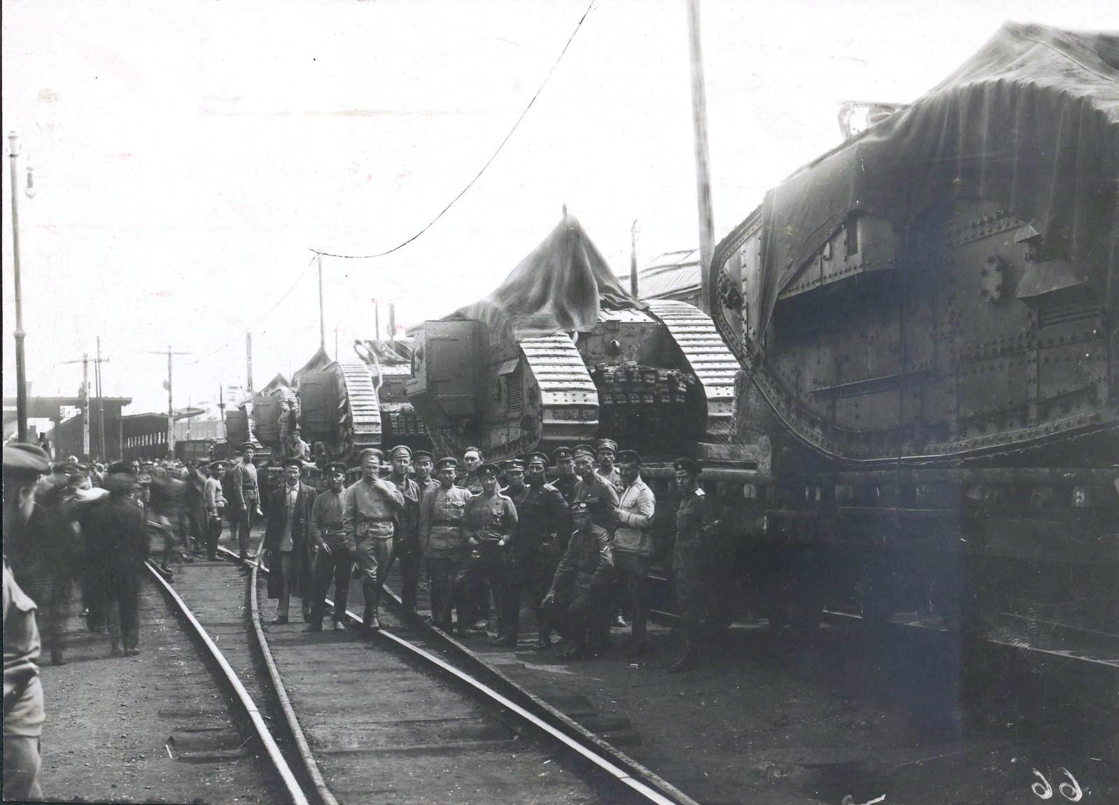 325. 1919. На станции Иловайской