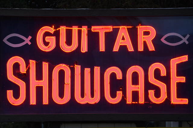 Guitar Showcase, Neon Sign