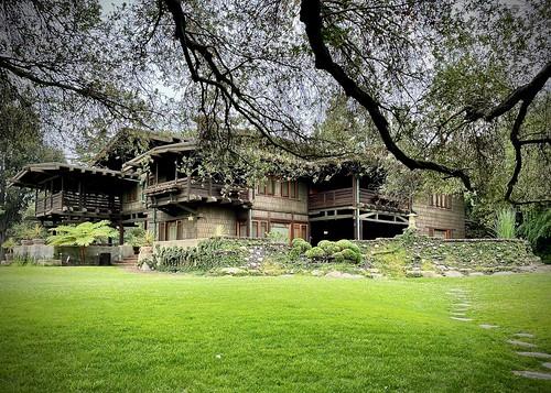 gamblehouse pasadena california greeneandgreene exterior artsandcraftsmovement southerncalifornia tree branches