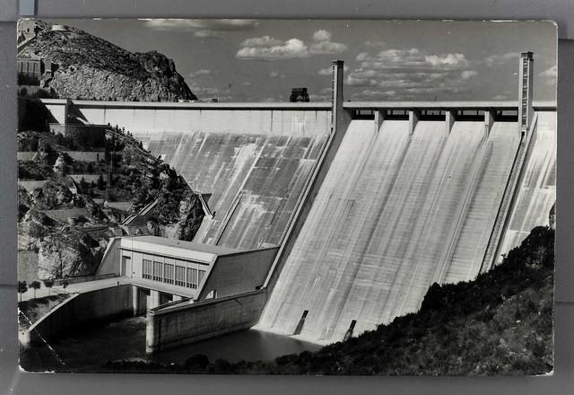 Pantano de Buendía, presa y central eléctrica