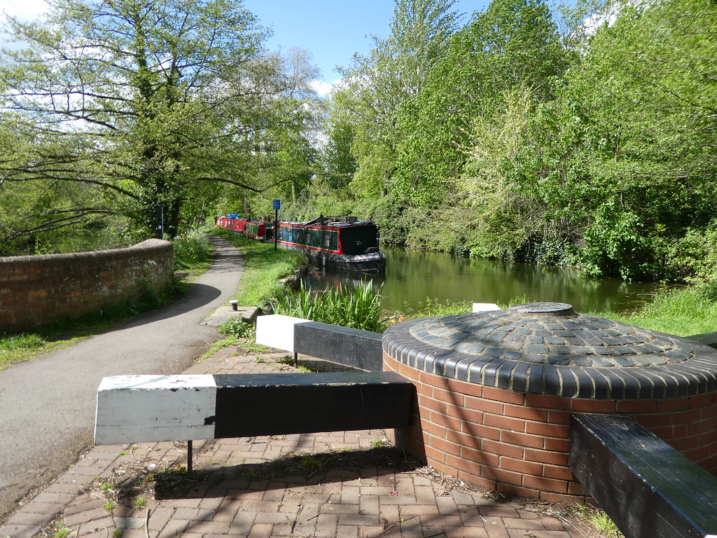 The Oxford Canal Heritage Trail starting point