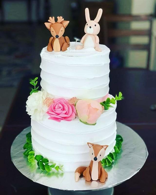 Cake by Sofia's Cakes
