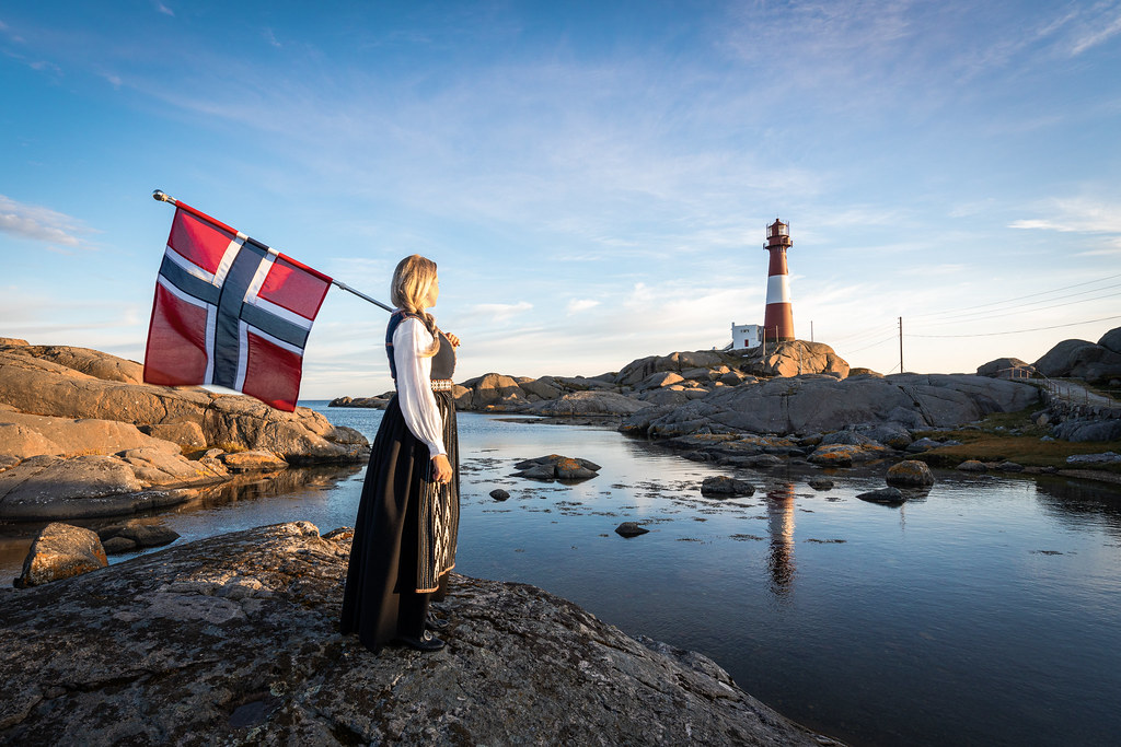Norwegian national romance at the lighthouse