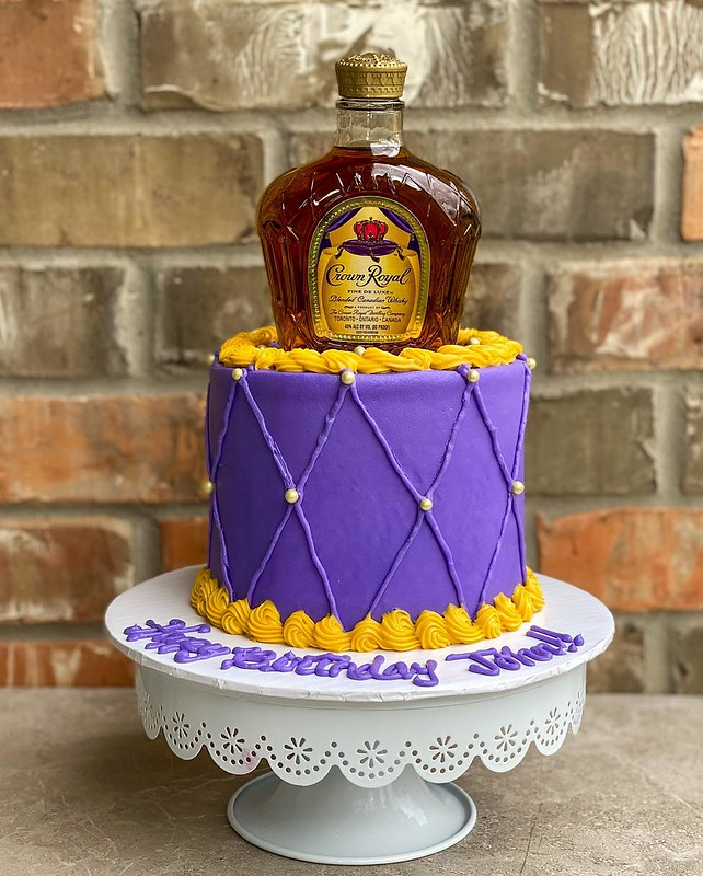 Cake by Emmy Sweets